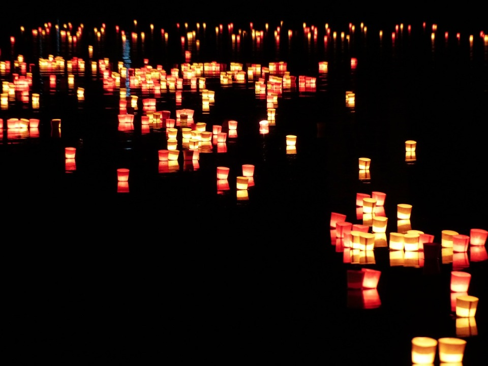 candles-168010_1280