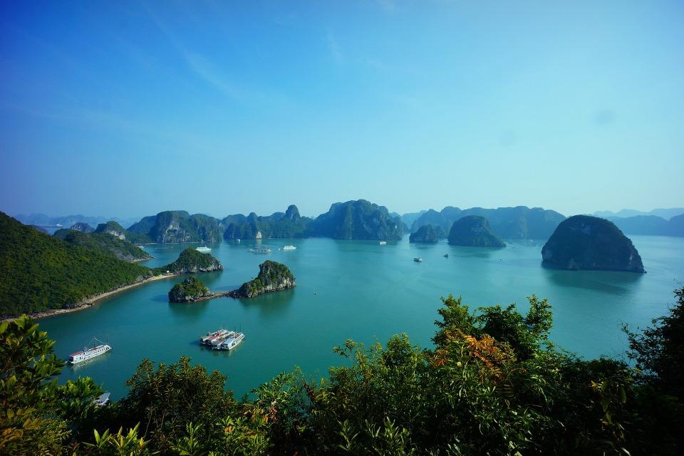 halong-bay-vietnam-593840_1920