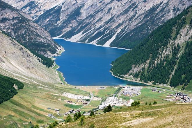 lake-472353_1280